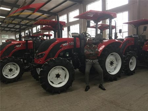 Ghana customer visited Qianli factory to inspect the wheel tractors